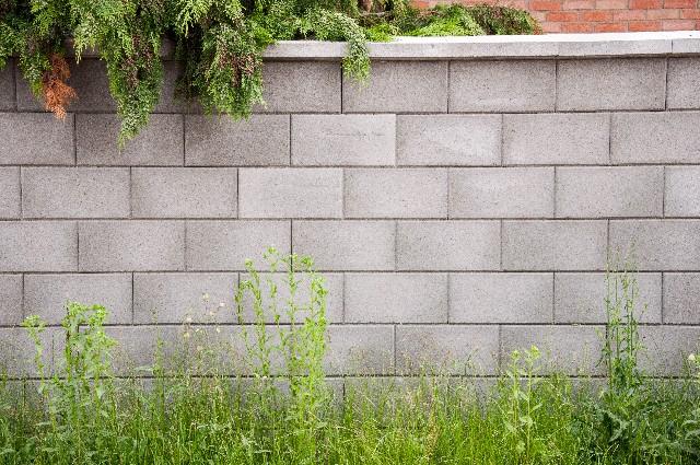 塀やブロックなどの痛みの見てください