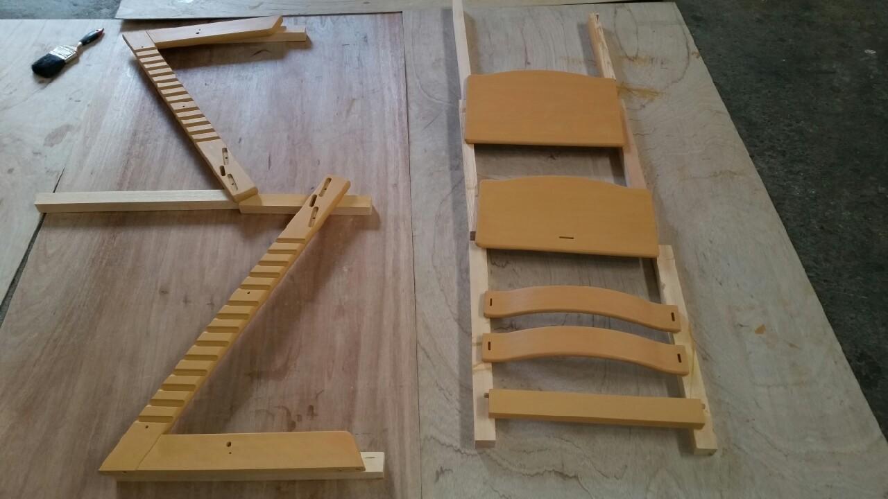 椅子塗り替え工事1