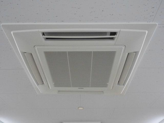 赤外線を跳ね返し、屋根温度を最大20℃クールダウン