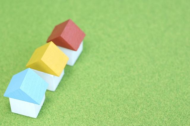 シリコン樹脂を使用しているため耐久性が高く、フッ素樹脂系塗料に次いで耐候性や光沢保持性に優れています
