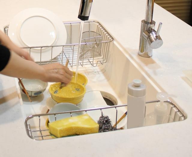 キッチン周りの床にフローリングをオススメしない理由を解説していきます。